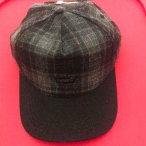 cefc68306d494 NWT Levi Men s Adjustable Flannel Hat